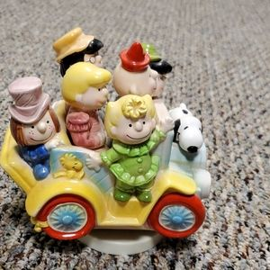 Charlie Brown and Friends Music box
